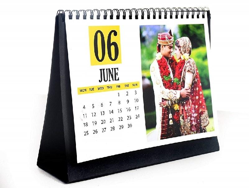 mẫu lịch in hình cặp đôi hạnh phúc